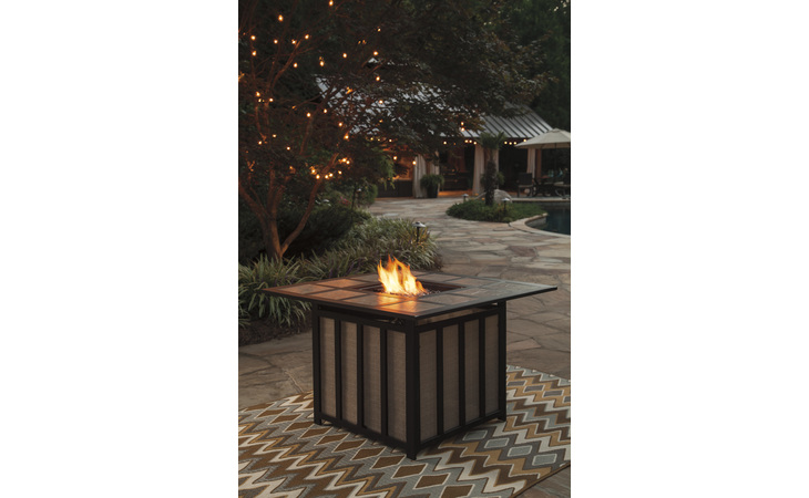 P454-772 WANDON - BEIGE/BROWN SQUARE FIRE PIT TABLE/WANDON